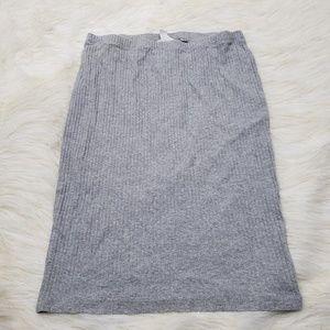 !SALE 5 FOR $25! H&M Basic Straight Midi Skirt